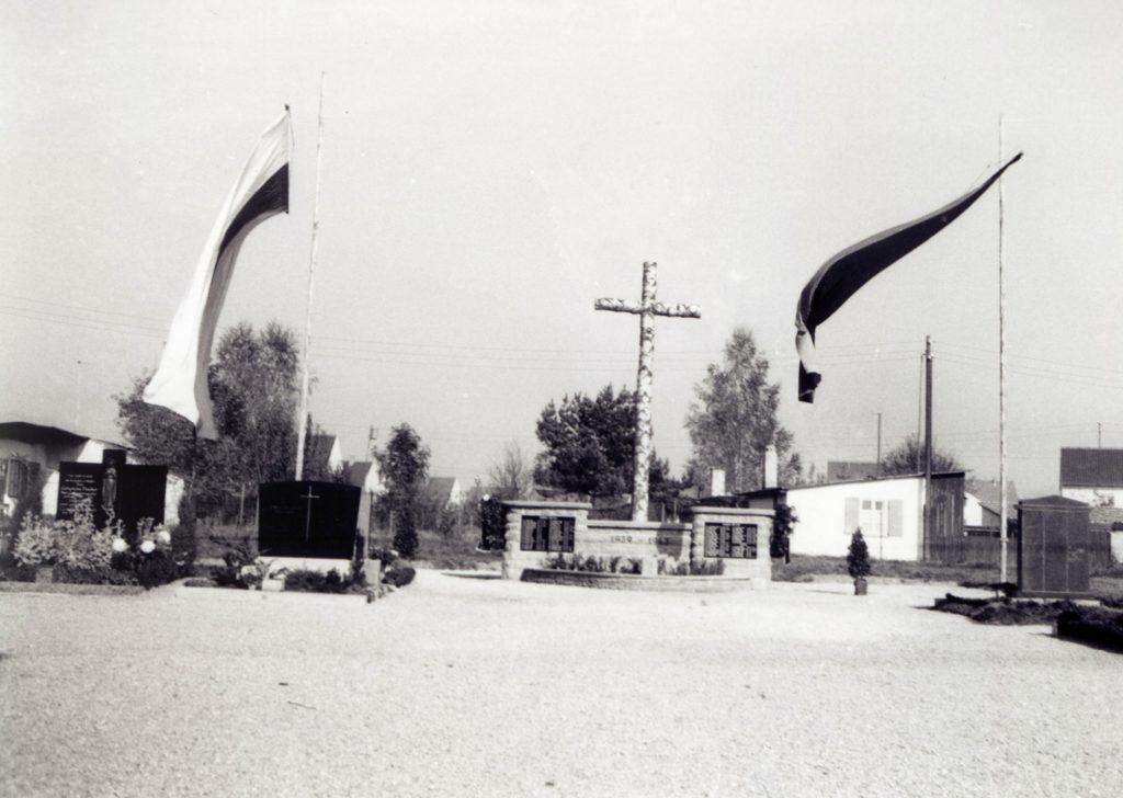 Kriegerdenkmal 1961